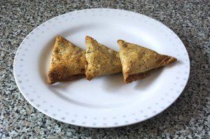 Bollywood Dance Show snacks dabeli, samosa or vadapav snacks